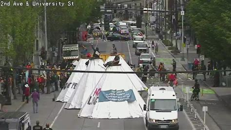 Chase Bank protesters block downtown Seattle streets