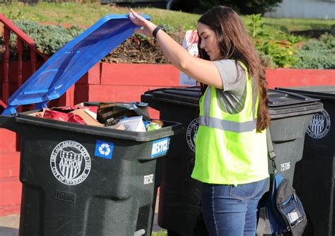 New app answers recycling questions in Akron - News