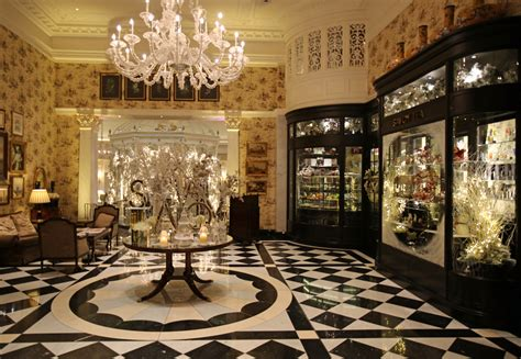 The Savoy London at Christmas - Review of the Savoy London