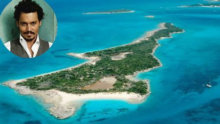 10 Celebrities Who Own Amazing Private Islands