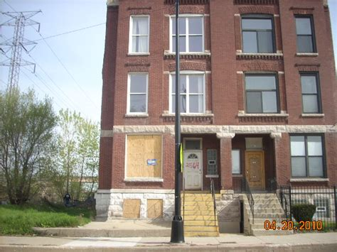 5828 Wayne Avenue Chicago, IL 60660 REO Home Details - Buy